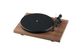 Pro_Ject-Debut-Carbon-_DC_-_2M-Red_-walnut